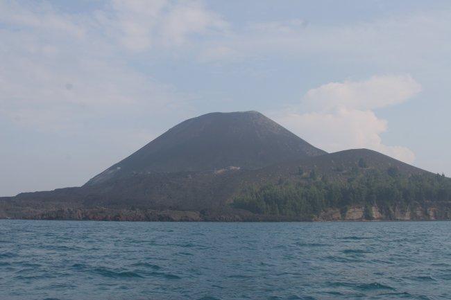 ana_krakatau_close.jpg