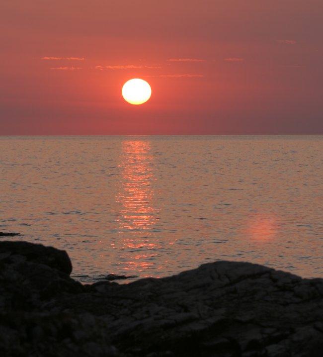 sun_set_rocks.jpg