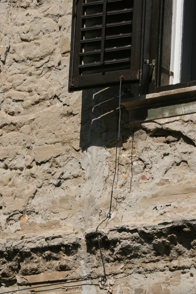 window_wire.jpg